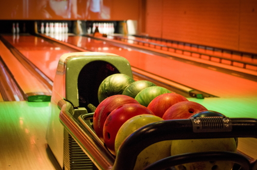 How to pick the right bowling ball ?