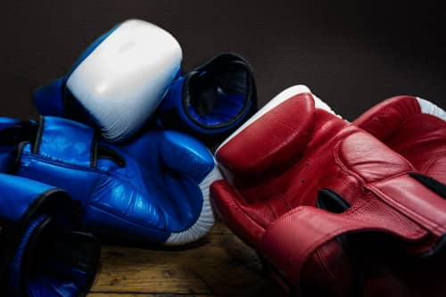 How to choose the right boxing gloves?